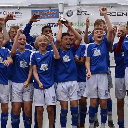 NF Academy tog førstepladsen ved Nordic Invitational Cup i 2019.