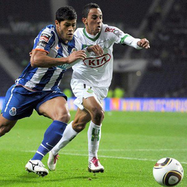 Her spiller Zeca for Vitória FC mod FC Porto i hans debutkamp i den bedste portugisiske liga.